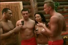 Пьяная русская групповуха в сауне