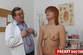 Голышом к врачу гинекологу