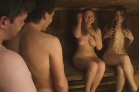 Русские девки в бане с пьяными парнями