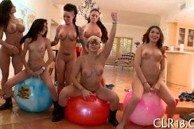 Грудастые девушки отрываются на вечеринке
