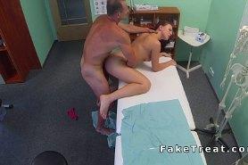 Вагинальный секс с хитрым доктором