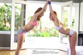 Девки сосут член после йоги