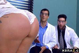 Шикарная женщина отрахана докторами
