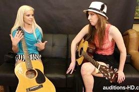 Гитаристки лесбиянки